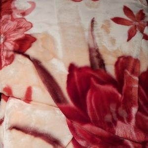 Other - Floral print mink blanket
